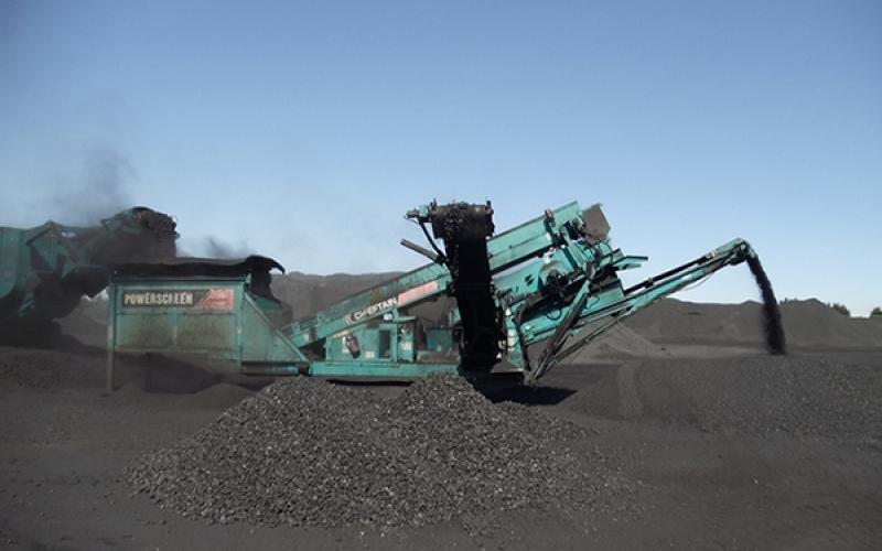 Powerscreen Chieftain 600 dans le charbon